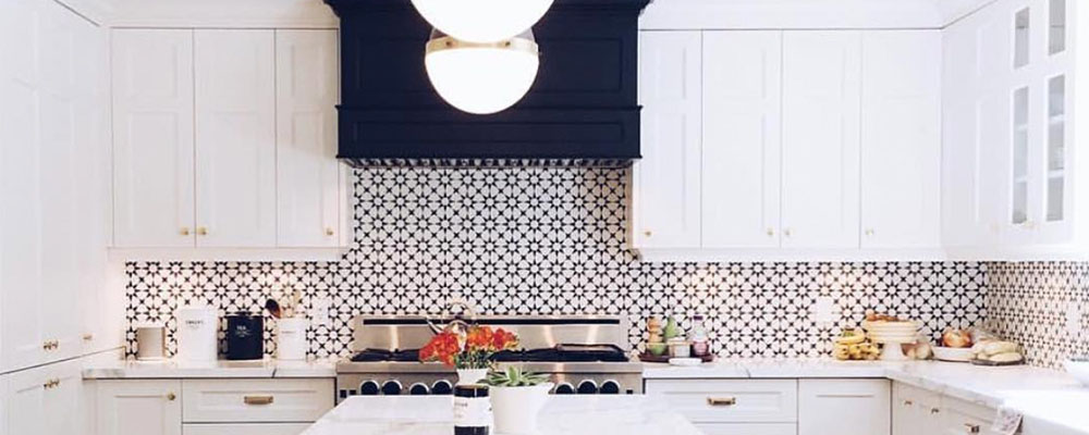 White and navy blue kitchen cabinets